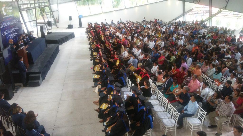 Graduaci n generaci n 2013 2017 universidad de turismo for Universidades en xalapa